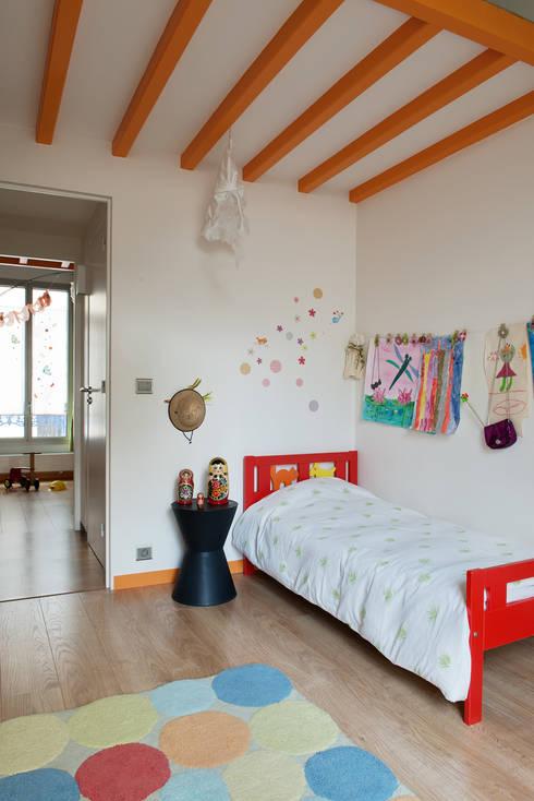 Chambre d'enfant 1: Chambre d'enfant de style  par MELANIE LALLEMAND ARCHITECTURES