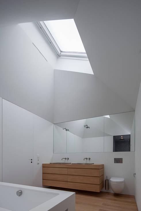 Ванные комнаты в . Автор – Unterlandstättner Architekten