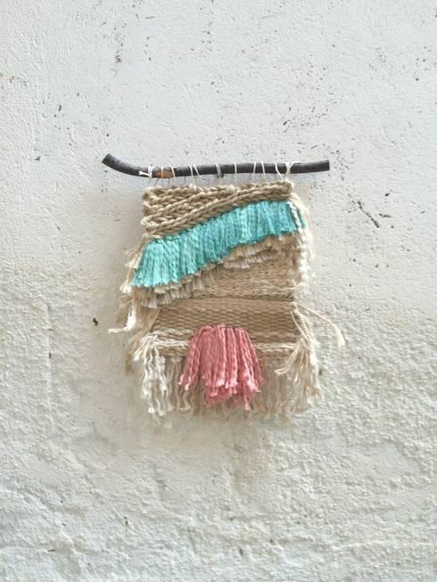 Tapiz pequeño.: Paredes y suelos de estilo colonial de Meublé