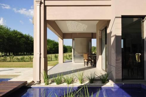 galería: Casas de estilo moderno por Parrado Arquitectura