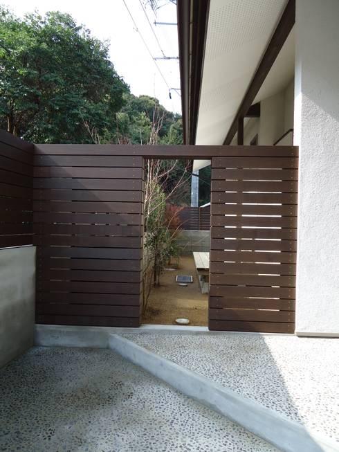 ISHIGAKI NO IE : 鶴巻デザイン室が手掛けた家です。