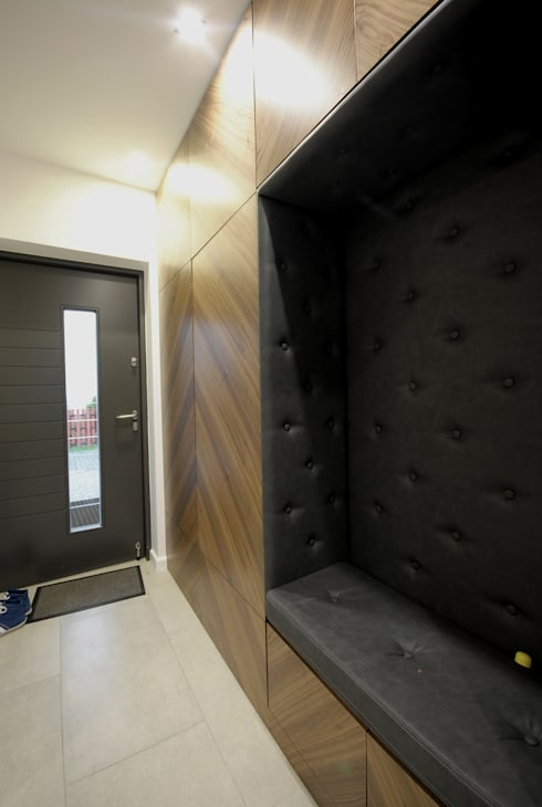 projekt wnętrza domu w Wiśniowej Górze -156mkw: styl , w kategorii Korytarz, przedpokój zaprojektowany przez Piotr Stolarek Projektowanie Wnętrz
