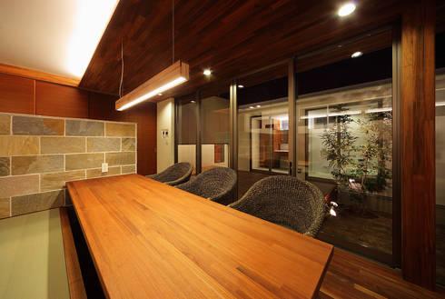 haus-vila: 一級建築士事務所hausが手掛けたダイニングです。