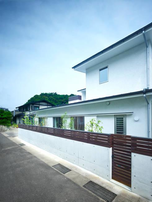 中庭の家: 鶴巻デザイン室が手掛けた家です。