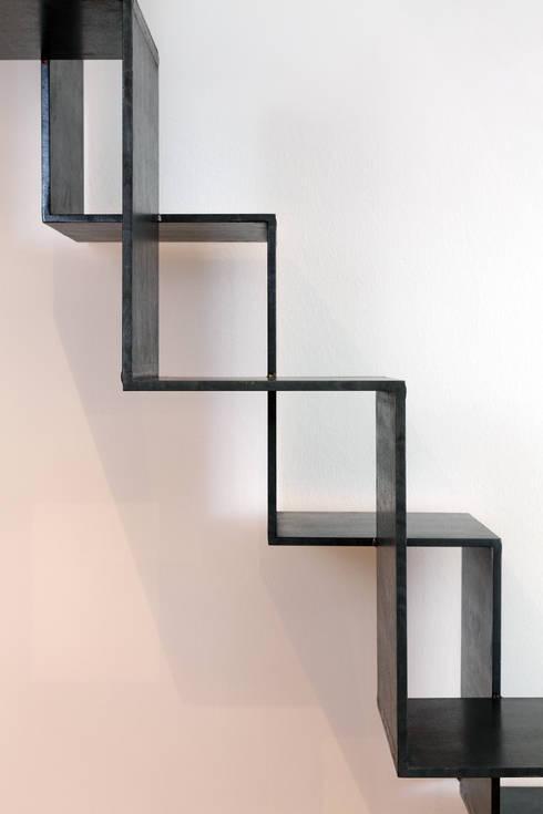 Pasillos, vestíbulos y escaleras  de estilo  por raumkontor Innenarchitektur Architektur