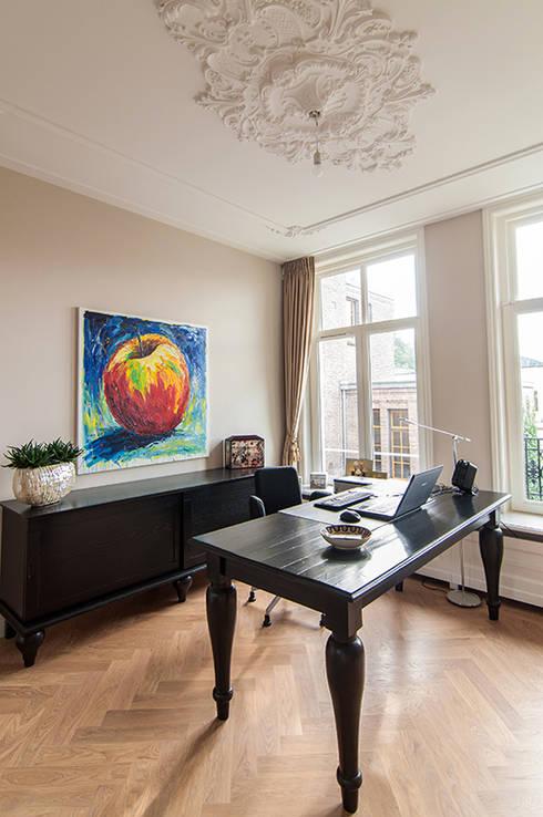 Projekty,  Domowe biuro i gabinet zaprojektowane przez Lumen Architectuur