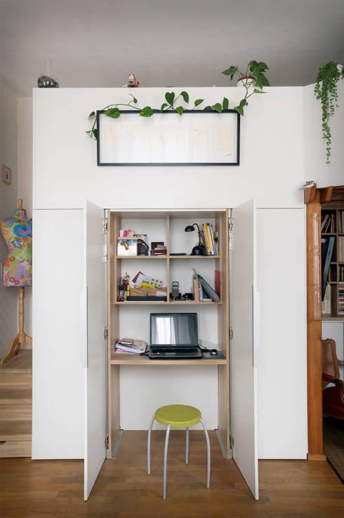 Aménagement autour d'une mezzanine:  de style  par Codes Intérieurs