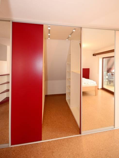 schlafzimmer vom schreiner von schreinerei niebler homify. Black Bedroom Furniture Sets. Home Design Ideas
