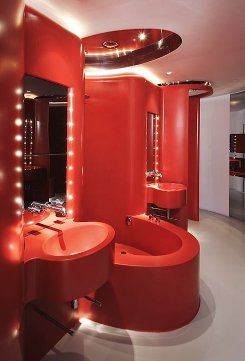 HOTEL PUERTA AMERICA, Madrid, Habitación Ron Arad: Baños de estilo moderno de RAFAEL VARGAS FOTOGRAFIA SL