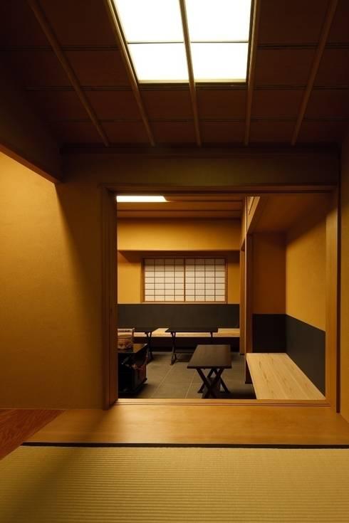 茶室/4畳 : 忘蹄庵建築設計室が手掛けた和室です。