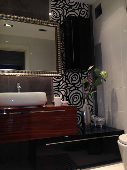 HEBART MİMARLIK DEKORASYON HZMT.LTD.ŞTİ. – Birgen Ekşioglu Evi: modern tarz Banyo