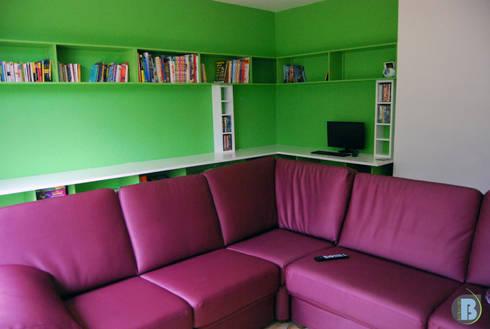 Canapé d'angle de collectivité colorie lilas : Salon de style de style eclectique par Batbau'bio