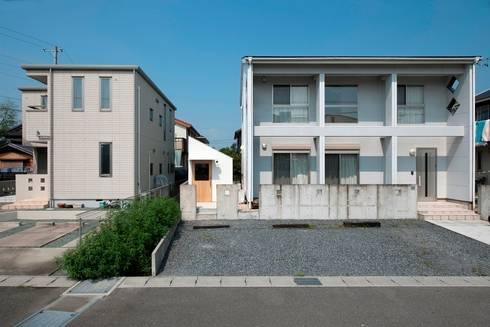 員弁の小屋 / Hut in Inabe: 市原忍建築設計事務所 / Shinobu Ichihara Architectsが手掛けたガレージです。