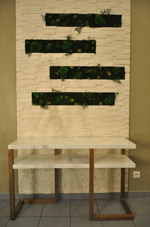 mur et tableau v g tal stabilis par evo green design homify. Black Bedroom Furniture Sets. Home Design Ideas