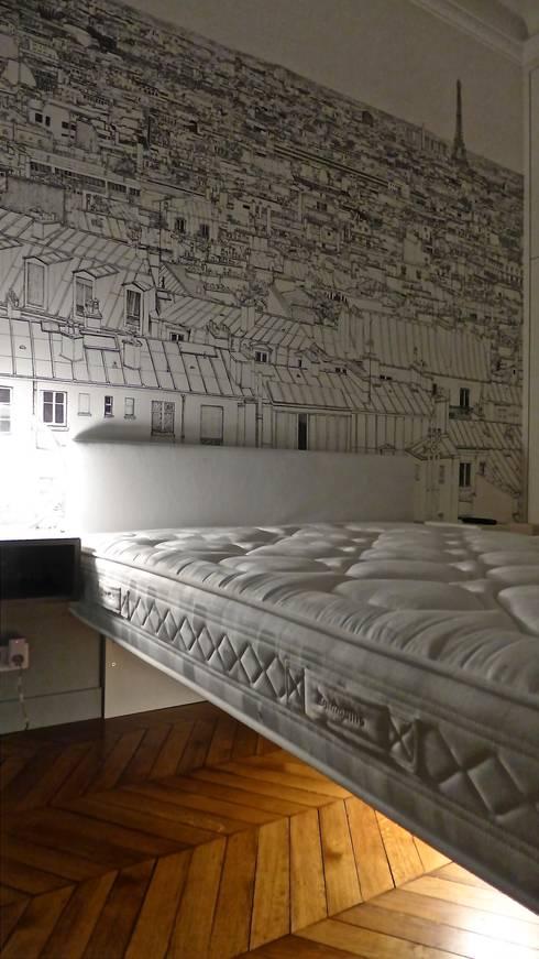 Papier peint Paris, lit suspendu.: Chambre d'enfant de style  par Fella DESPRES, Décoration D'intérieur.