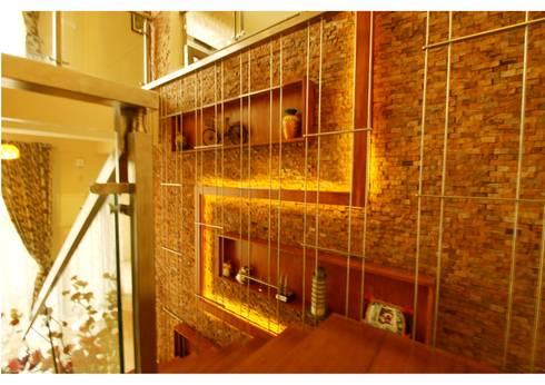 URBAN NEST:  Corridor & hallway by Aadyam Design Studio