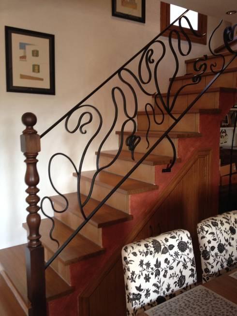 Balcones y terrazas de estilo  por ANTONIO SERON BLASCO