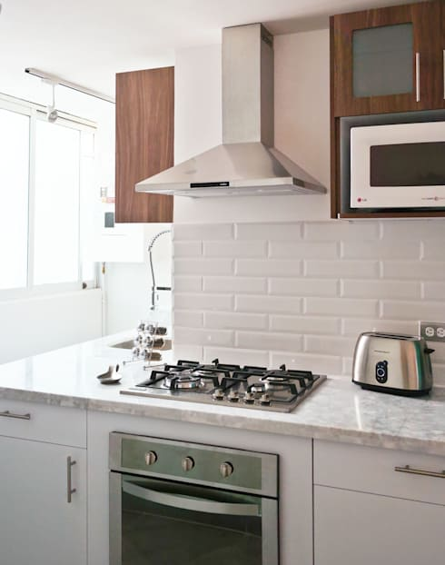 Cocina Magdalena: Cocinas de estilo moderno por Diseño Distrito Federal