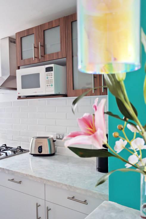 Cocina Magdalena: Cocinas de estilo  por Diseño Distrito Federal