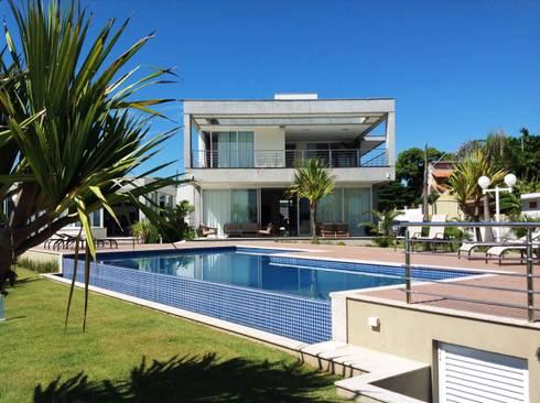 Casa CSP: Piscinas modernas por PJV Arquitetura