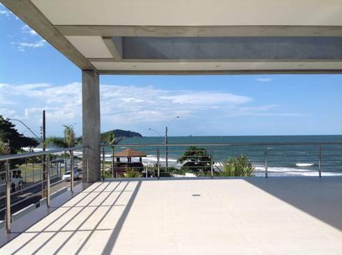 Casa CSP: Terraços  por PJV Arquitetura