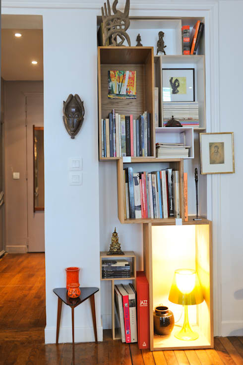 Rénovation d'un appartement Hausmannien  de 39m2 Paris 11eme: Salon de style  par Sara Camus Bouanha Architecture Interieure