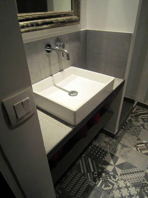 Ванные комнаты в . Автор – Sara Camus Bouanha Architecture Interieure