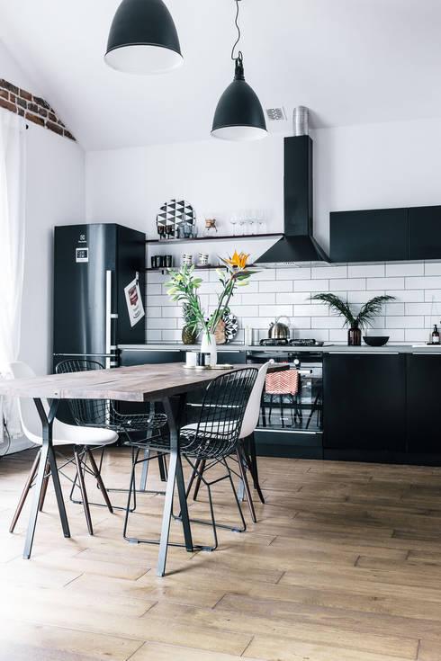 Mieszkanie Salwator, Kraków: styl , w kategorii Jadalnia zaprojektowany przez Odwzorowanie