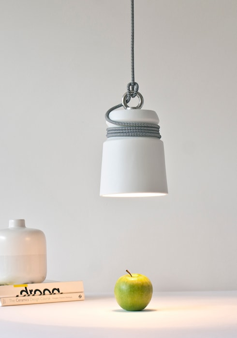 Cable Light: moderne Woonkamer door Patrick Hartog design