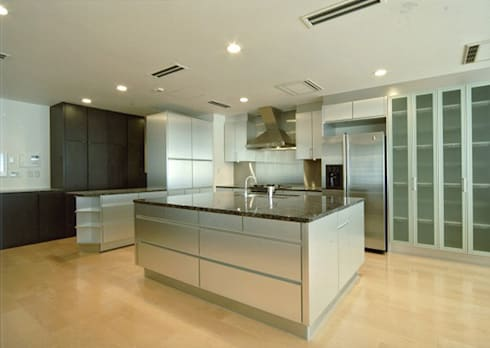 浴室2: 株式会社 間瀬己代治設計事務所が手掛けた浴室です。