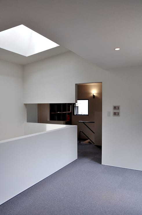若竹の家: 株式会社アトリエカレラが手掛けた寝室です。