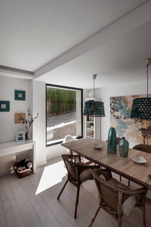 Salón estar, Comedor: Comedores de estilo  de ariasrecalde taller de arquitectura
