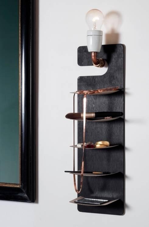 Baños de estilo  de Wolfgang Riegger - Carrothead Design
