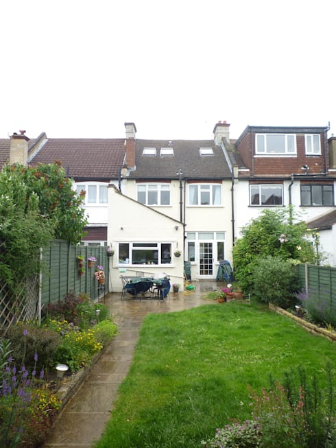 Rear Elevation - Before:   by Arc 3 Architects & Chartered Surveyors