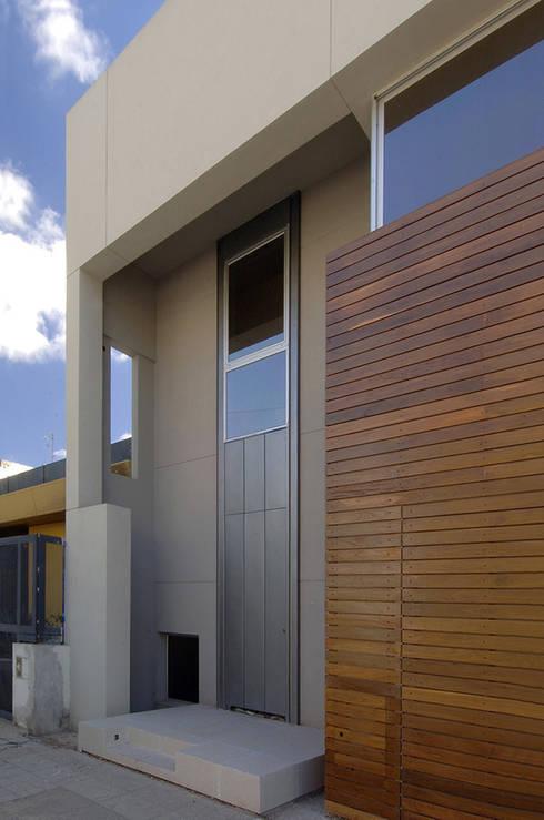 Estudio Sespede Arquitectos: modern tarz Evler
