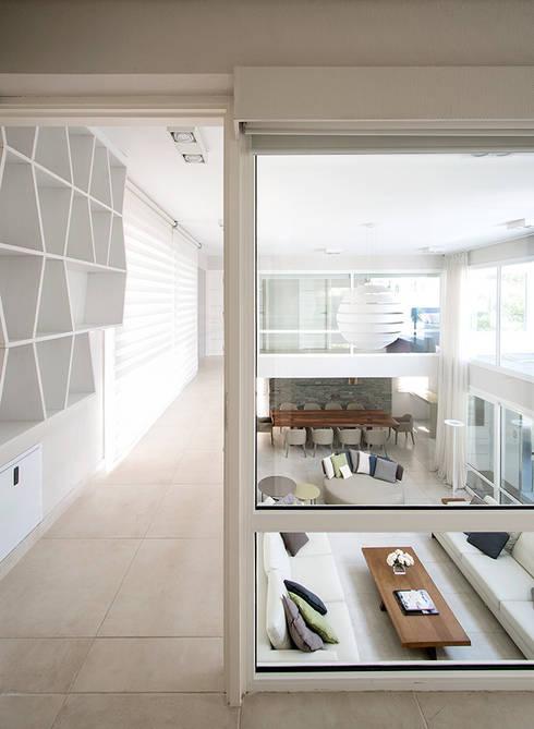 Corridor & hallway by Estudio Sespede Arquitectos