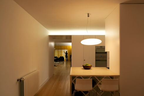 M Apartment: Cozinhas modernas por TERNULLOMELO Architects