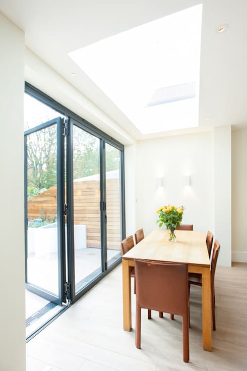 Streatham, SW2:  Dining room by Build Team