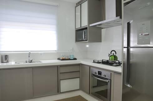 Cozinha: Cozinha  por Luizana Wiggers Projetos
