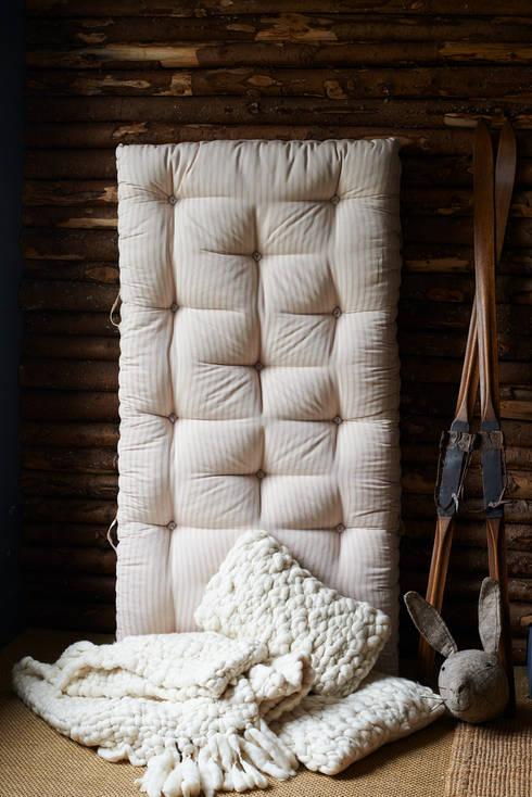 Handmade organic wool & horsehair mattress: classic Bedroom by brush64