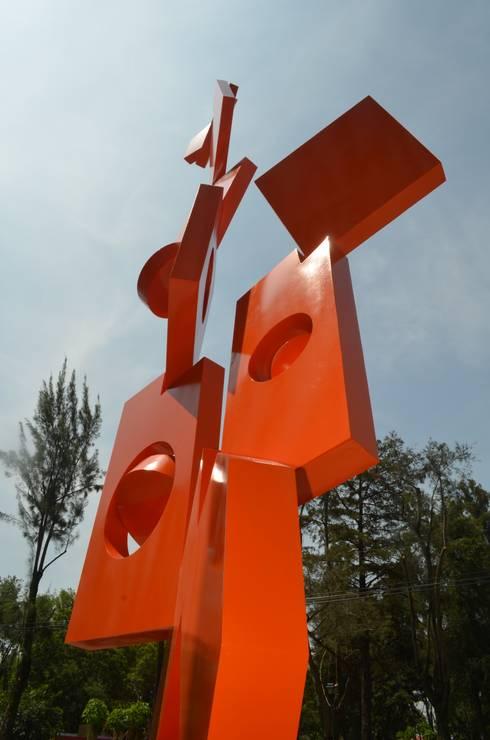 """""""EQUILIBRIO"""": Casas de estilo minimalista por JUAN VICENTE URBIETA"""