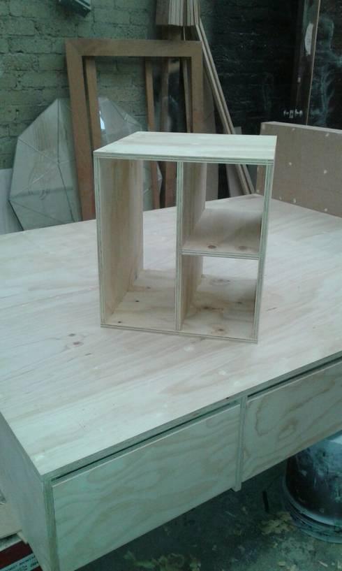 Proceso Fabricación: Recámaras de estilo moderno por MONOAMBIENTE