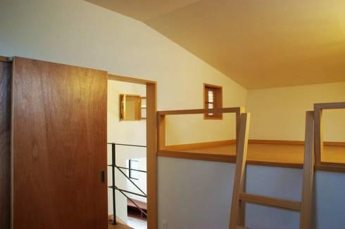 MSGS 真砂のコンパクトな家: 太田則宏建築事務所が手掛けた子供部屋です。