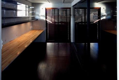目黒の家/書斎: アトリエ・ノブリル一級建築士事務所が手掛けた書斎です。
