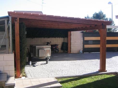 Garajes y aparcamientos de incofusta homify for Garajes por dentro