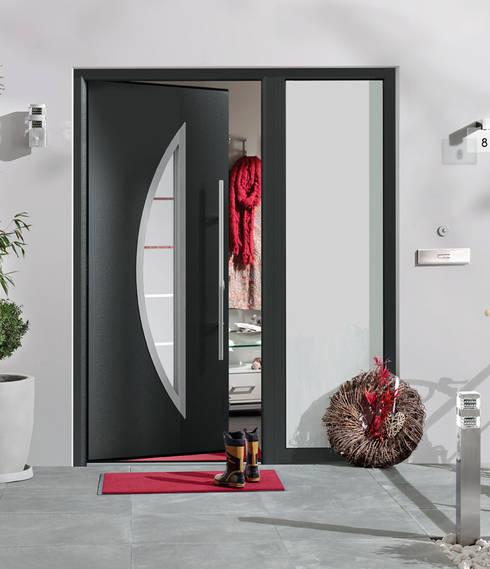 Puertas principales de estilo  por HORMANN