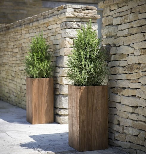 Teak Garden Planters , Cubes or Tall Squares:  Garden  by Ingarden Limited