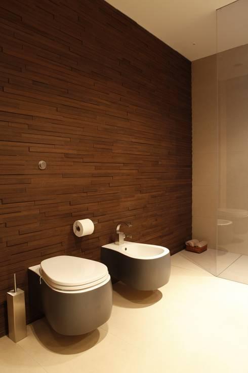 Jacana Court, London:  Bathroom by Volume 3