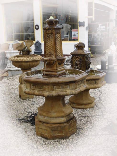 Tuinbeelden en fonteinen door tuindecoratie jose homify - Japanse tuindecoratie ...
