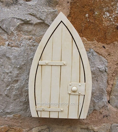 Fairy door :  Garden  by Marble Inspiration